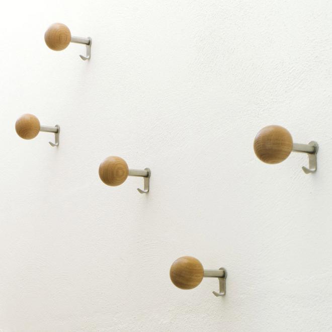wandhaken dots holz. Black Bedroom Furniture Sets. Home Design Ideas